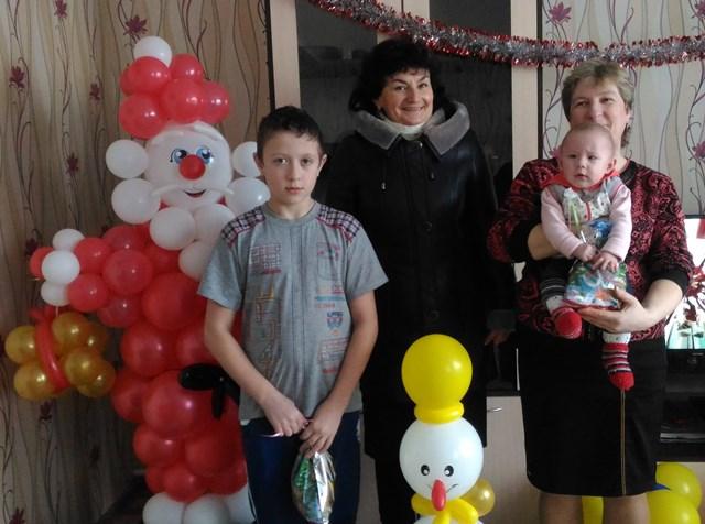 Новогодние подарки воспитанникам домов семейного типа на Быховщине, 2017