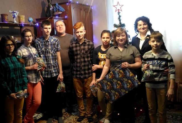 Новогодние поздравления воспитанникам домов семейного типа на Краснопольщине,  2017 г.